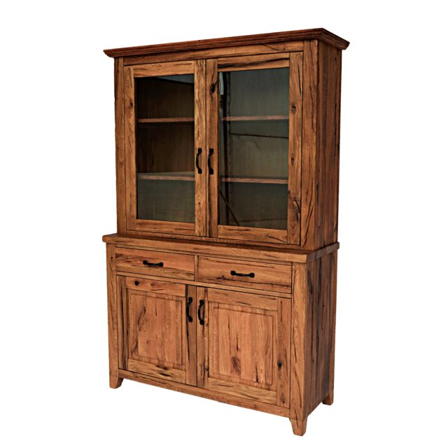 Wild oak closet with windows